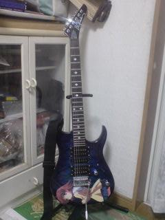 この痛ギターは俺の相棒です(笑)